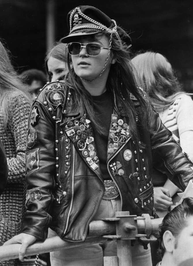 Wendy Sutcliffe, 19, in full biker gear at a  Wembley pop festival, London, 1972. Photo: Evening Standard, Getty Images