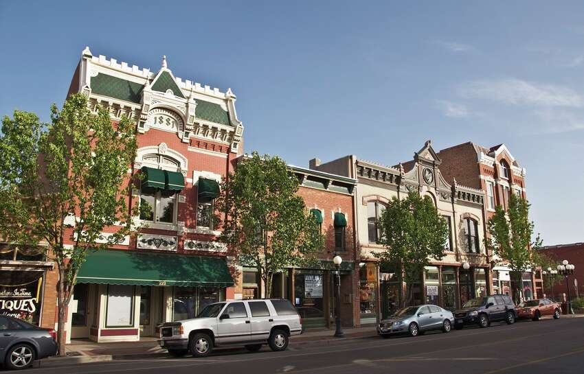 19. Pueblo, Colorado Median home value: $124,700 Poverty rate: 25.1% Percentage with at least a bacherlor's degree: 18.4% FULL RANKING:http://247wallst.com/special-report/2017/06/16/50-worst-cities-to-live-in/4/