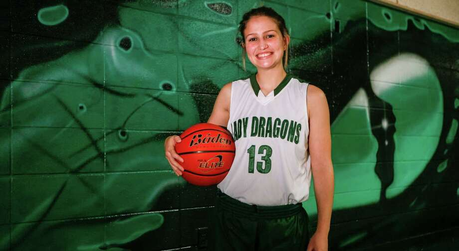 Southwest's Tiffani Rodriguez recently surpassed the 2,000-point benchmark for girls basketball. Photo: Marvin Pfeiffer / San Antonio Express-News / Prime Time Newspapers 2014