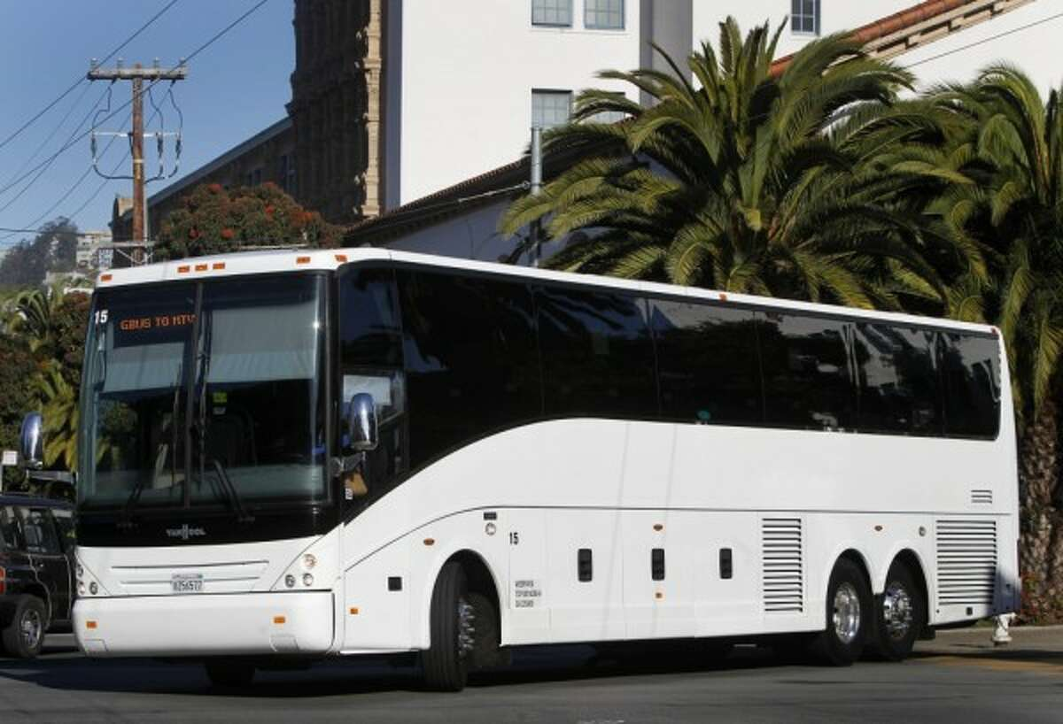 A UC Berkeley study found that 40 percent of tech shuttle riders would move closer to their Silicon Valley jobs if there was no chartered bus service. (Paul Chinn/Chronicle)