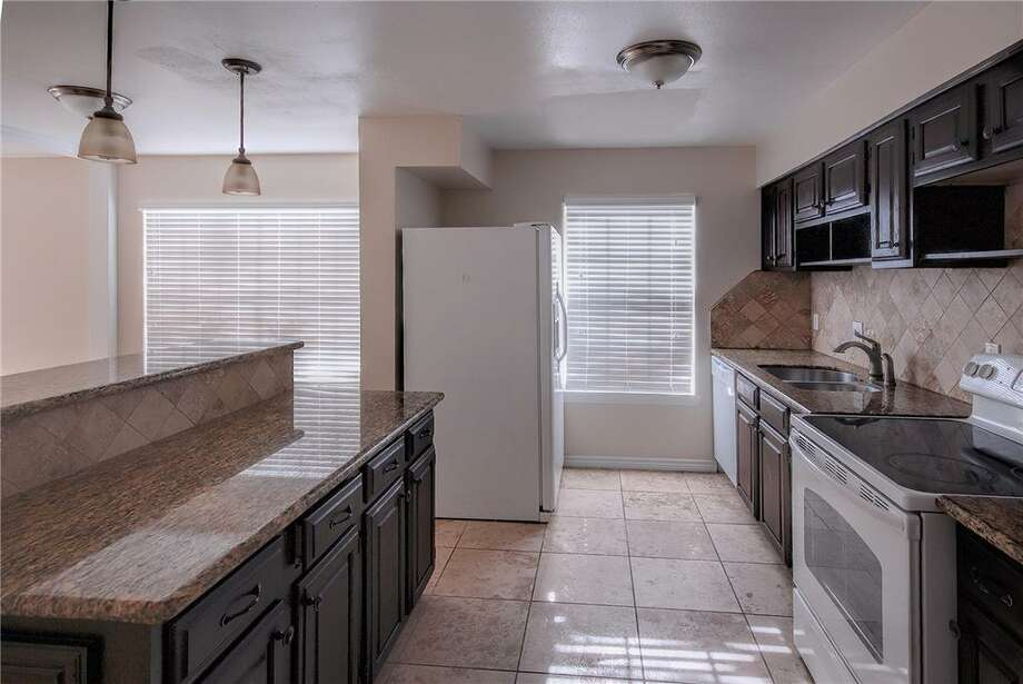 5403 Spanish Oak: This 1973 home has 5 bedrooms, 2.5 bathrooms, and is located in North Houston. Listed for $149,900. Photo: Houston Association Of Realtors