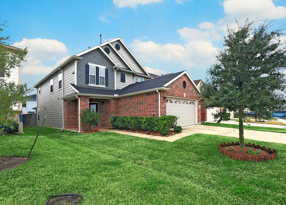 2722 Skyview Crest: This 2008 home has 3 bedrooms, 2.5 bathrooms, 2,618 square feet, and is located in Southeast Houston. Listed for $149,900. Photo: Houston Association Of Realtors