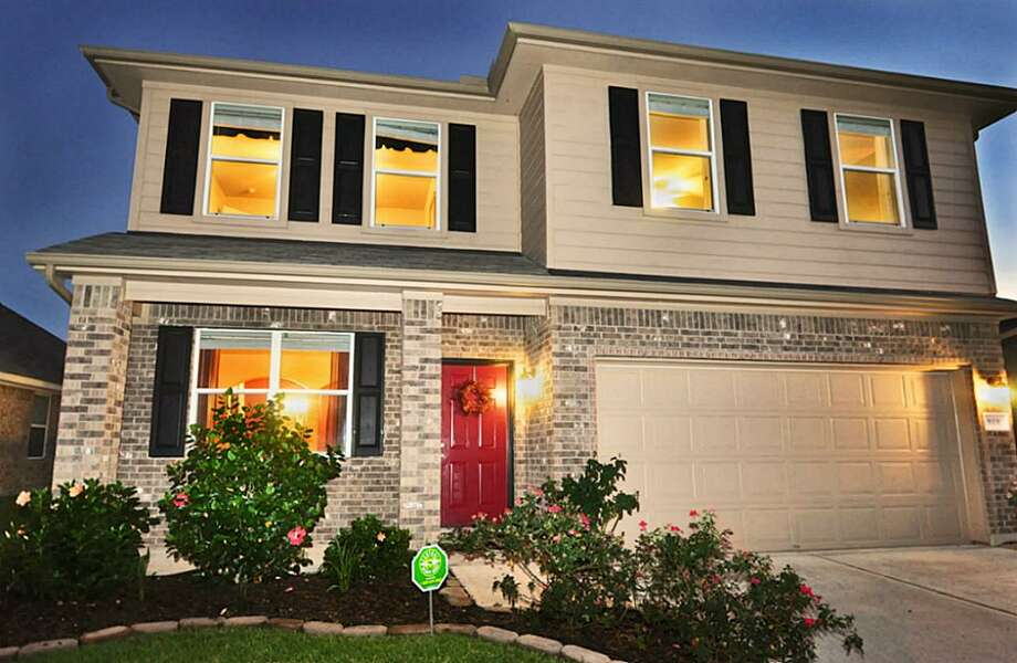 919 Hannah Falls: This 2009 home has 4 bedrooms, 2.5 bathrooms, 2,560 square feet, and is located in Fresno. Listed for $150,000. Photo: Houston Association Of Realtors