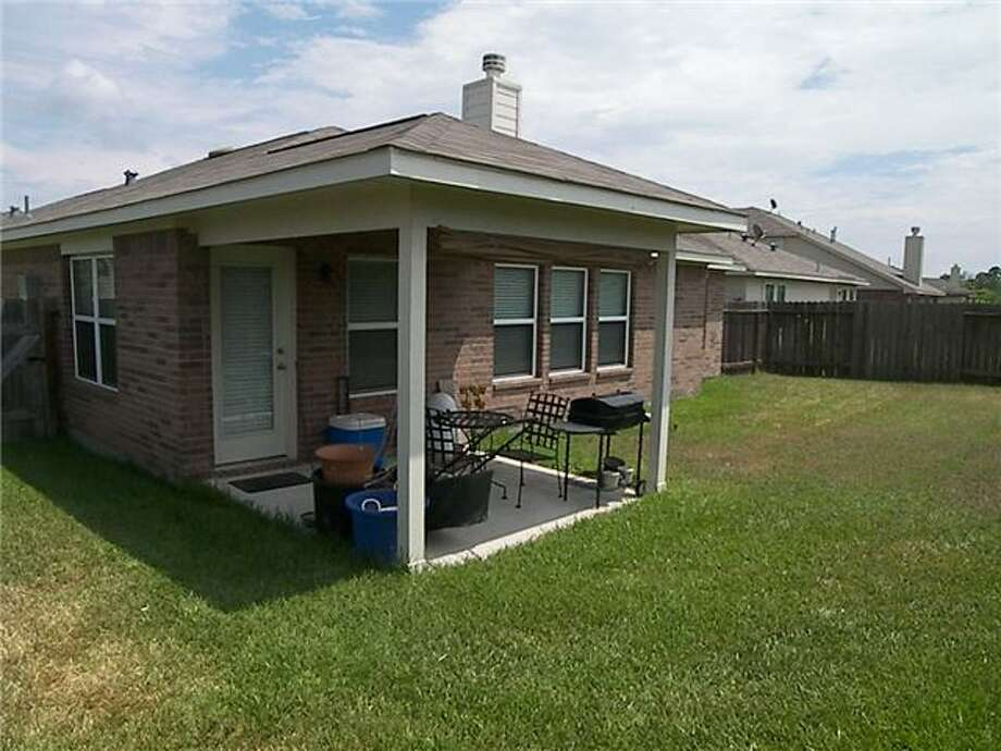 9723 Park Heath: This 2006 home has 3-4 bedrooms, 2 bathrooms, 2,090 square feet, and is located in North Houston. Listed for $150,000. Photo: Houston Association Of Realtors