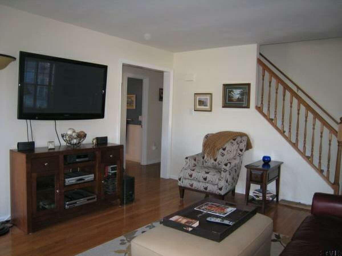$174,900 . 62 DESSON AV, Troy, NY 12180.View this listing.