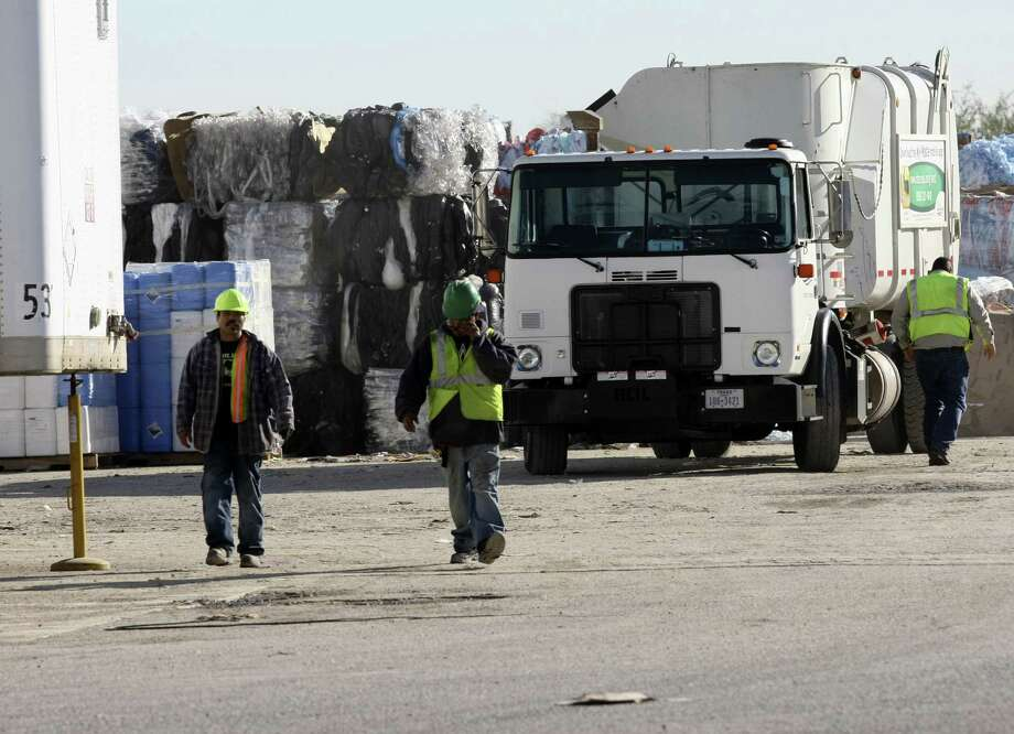 """The body of """"Baby Boy Mendoza"""" was found in a bag on a conveyor belt at this recycling plant. Photo: San Antonio Express-News / File Photo / SAN ANTONIO EXPRESS-NEWS"""