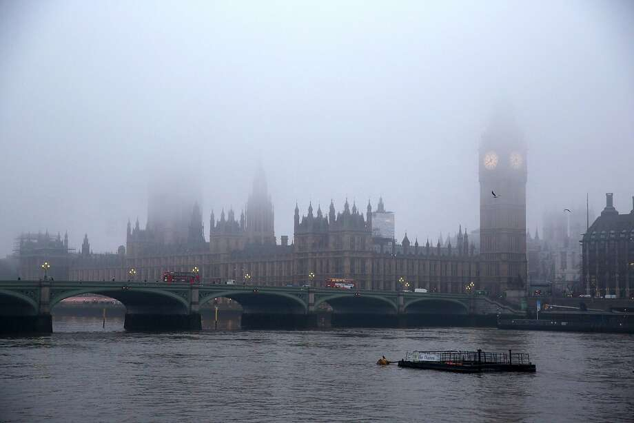 LONDON, ENGLAND - JANUARY 21:  The Houses of Parliament and the river Thames are shrouded in early morning fog on January 21, 2014 in London, England.    (Photo by Oli Scarff/Getty Images) *** BESTPIX *** Photo: Oli Scarff, Getty Images