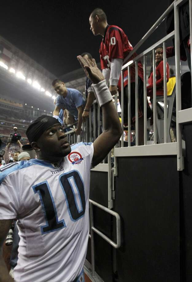 Vince Young as the Tennessee Titans quarterback. Photo: Brett Coomer, Houston Chronicle