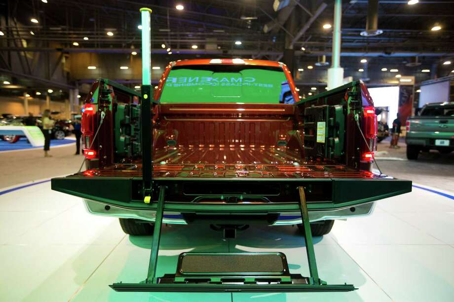 Houston ranked No. 1 among U.S. cities with tailgate thefts with 145 insurance claims from Jan. 1, 2012, to Dec. 31, 2013, according to a new study.Pictured, a Ford F-150 pickup truck comes with a step and grab bar which can be folded and put away in the tailgate. Tuesday, Jan. 21, 2014, in Houston. Photo: Marie D. De Jesus, Houston Chronicle / © 2014 Houston Chronicle