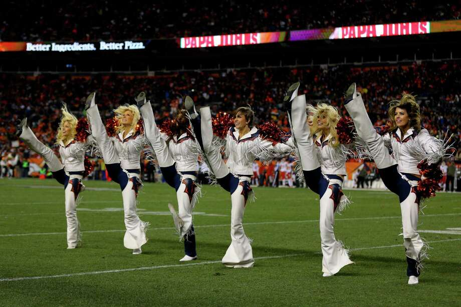 The Denver Broncos Cheerleaders perform Nov. 17, 2013. Photo: Justin Edmonds, Getty Images / 2013 Getty Images