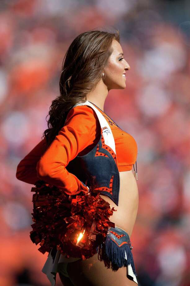 A member of the Denver Broncos cheerleaders performs on Oct. 27, 2013. Photo: Justin Edmonds, Getty Images / 2013 Getty Images