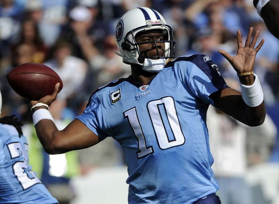 Vince Young with the Tennessee Titans. Photo: Frederick Breedon, Associated Press
