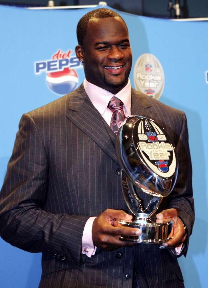 Vince Young accepting his 2006 Rookie of the Year award. Photo: Jed Jacobsohn, Getty Images