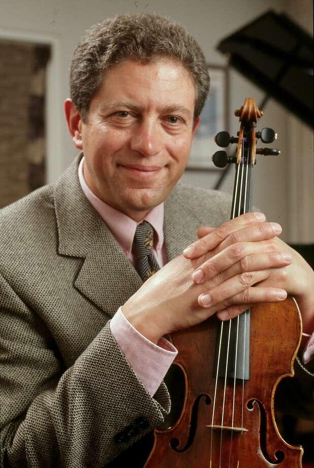 Concertmaster Alexander Barantschik guided the pieces skillfully. Photo: San Francisco Symphony, Ho