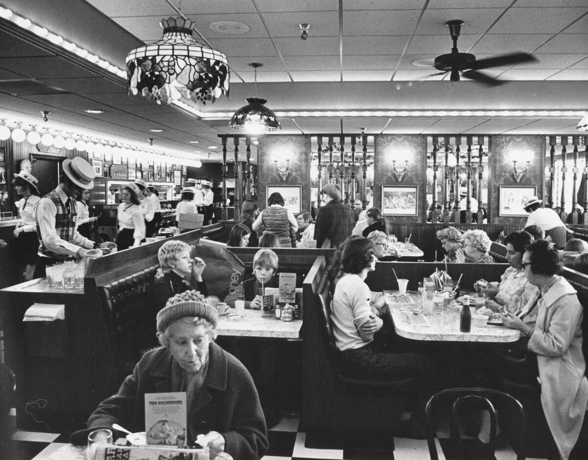 Farrell's Ice Cream Parlor in Northgate: When a milkshake was required after a day of shopping. Photo: Nov. 29, 1974, Dave Potts, copyright MOHAI, Seattle Post-Intelligencer collection, 2000.107_print_restaurants_027.