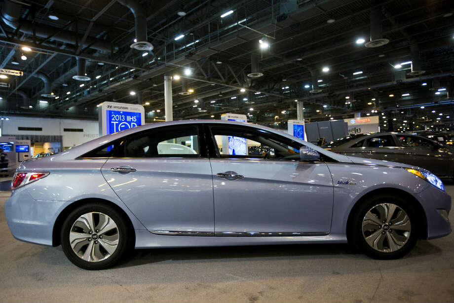 The Hyundai Sonata Hybrid is a non-plug-in hybrid with lithium polymer battery technology. The Sonata is on display at Houston Auto Show in the Reliant Center. Photo: Marie D. De Jesus, Houston Chronicle