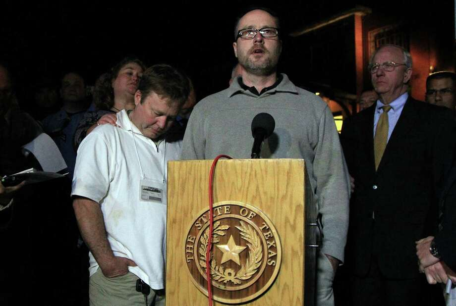 Edwin Gaddis stands next to his brother Gary Gaddis, brothers of victim Guy P. Gaddis, as they deliver their statement after the execution of Edgar Arias Tamayo at the the Texas State Penitentiary 'Walls Unit' on Wednesday, Jan. 22, 2014, in Huntsville. Photo: Mayra Beltran, Houston Chronicle / © 2013 Houston Chronicle