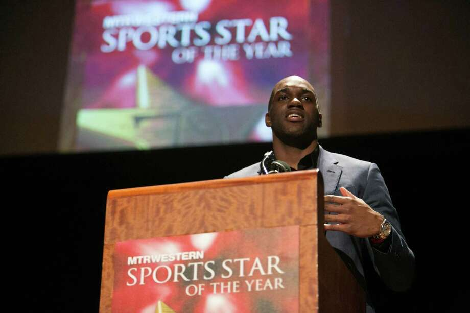 Memphis Grizzlies player Quincy Pondexter speaks during the 79th annual Sports Star of the Year awards. Photo: JOSHUA TRUJILLO, SEATTLEPI.COM / SEATTLEPI.COM