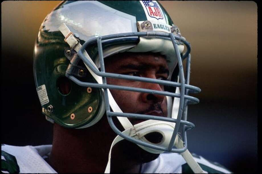 1987 — Reggie White, DE, Philadelphia Eagles  Score: AFC 10, NFC 6 Photo: George Gojkovich, Getty Images