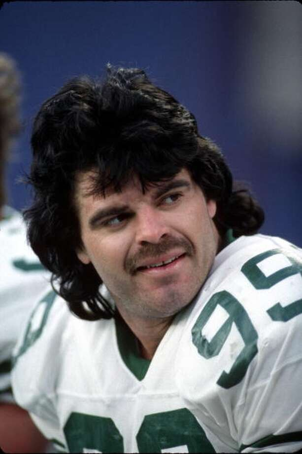 1985 — Mark Gastineau, DE, New York   Score: AFC 22, NFC 14 Photo: George Gojkovich, Getty Images