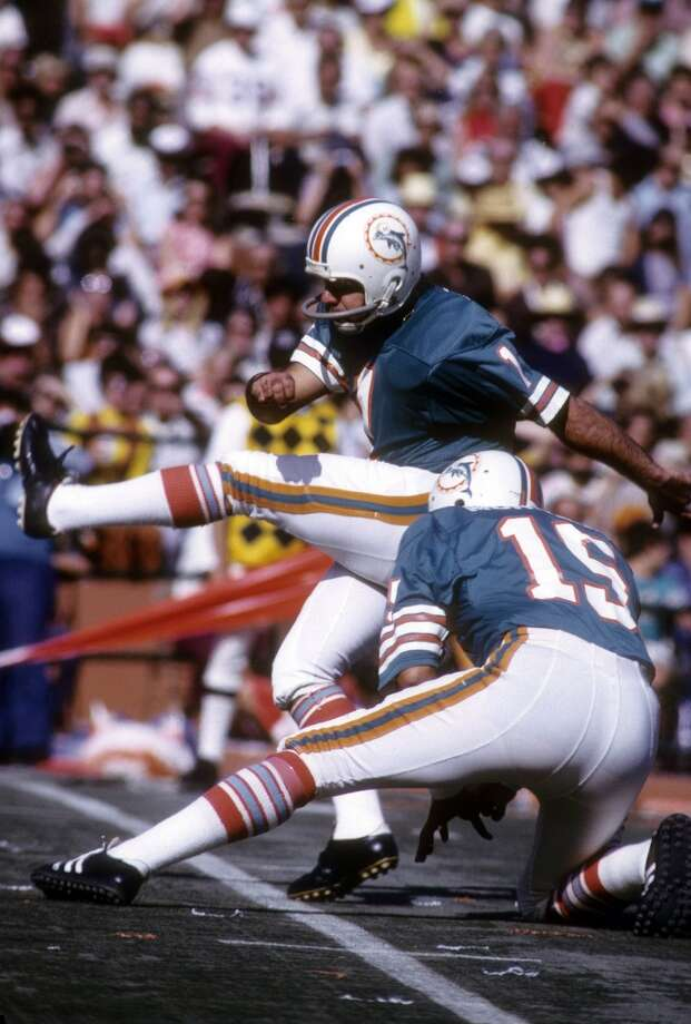 1974 — Garo Yepremian, PK, Miami Dolphins  Score:AFC 15, NFC 13 Photo: Focus On Sport, Getty Images