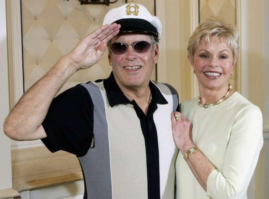 Who: Captain and Tennille Married for: 39 yearsThe legendary musical duo from the 1970s are calling it quits after 39 years of marriage. Take a look at other celebrity couples who bought a one-way ticket to splitsville.