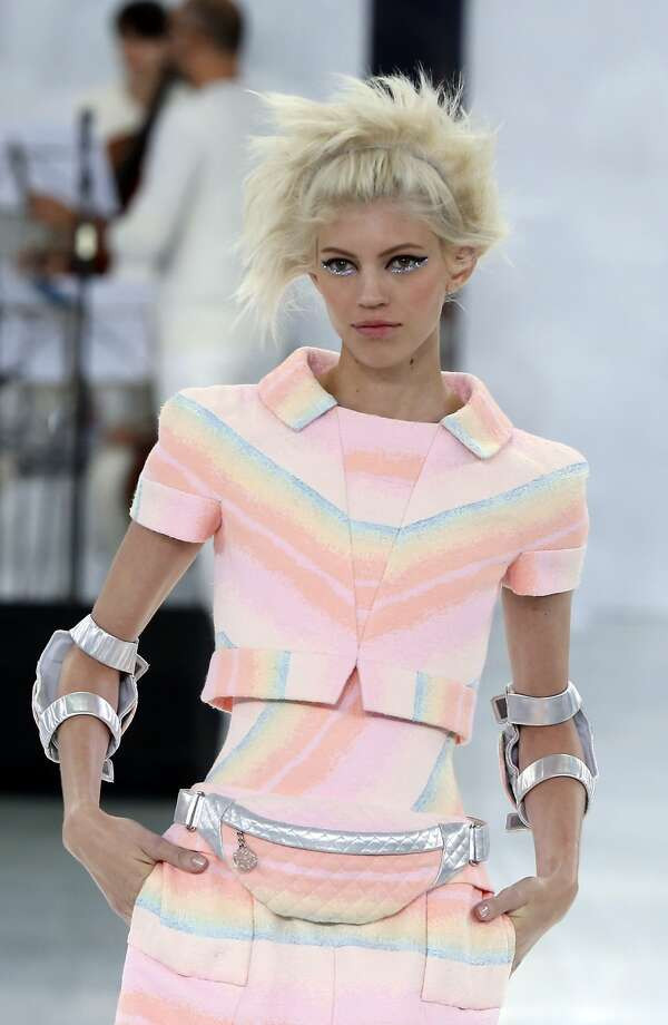A model wears a creation for Chanel's Spring-Summer 2014 Haute Couture fashion collection presented in Paris, Tuesday, Jan.21, 2014. Photo: Jacques Brinon, Associated Press