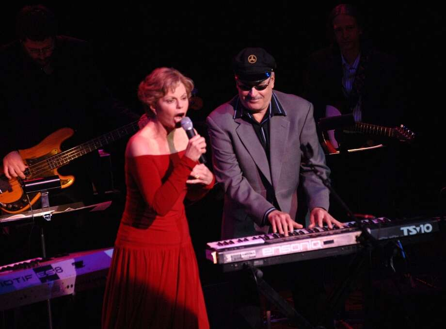 The Captain (R) and Tennille perform at a tribute to Neil Sedaka at Lincoln Center's Avery Fisher Hall on October 26, 2007 in New York City. Photo: Brad Barket, Getty Images
