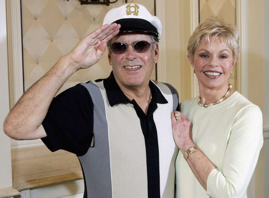 """Captain"" Daryl Dragon and his wife Toni Tennille, music duo The Captain and Tennille, pose at the Video Software Dealers Association's annual home video convention at the Bellagio July 27, 2005 in Las Vegas, Nevada. Photo: Ethan Miller, Getty Images"