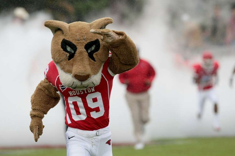 Shasta from the University of Houston needs to take it easy with the eyeliner. Photo: Thomas B. Shea, Getty Images