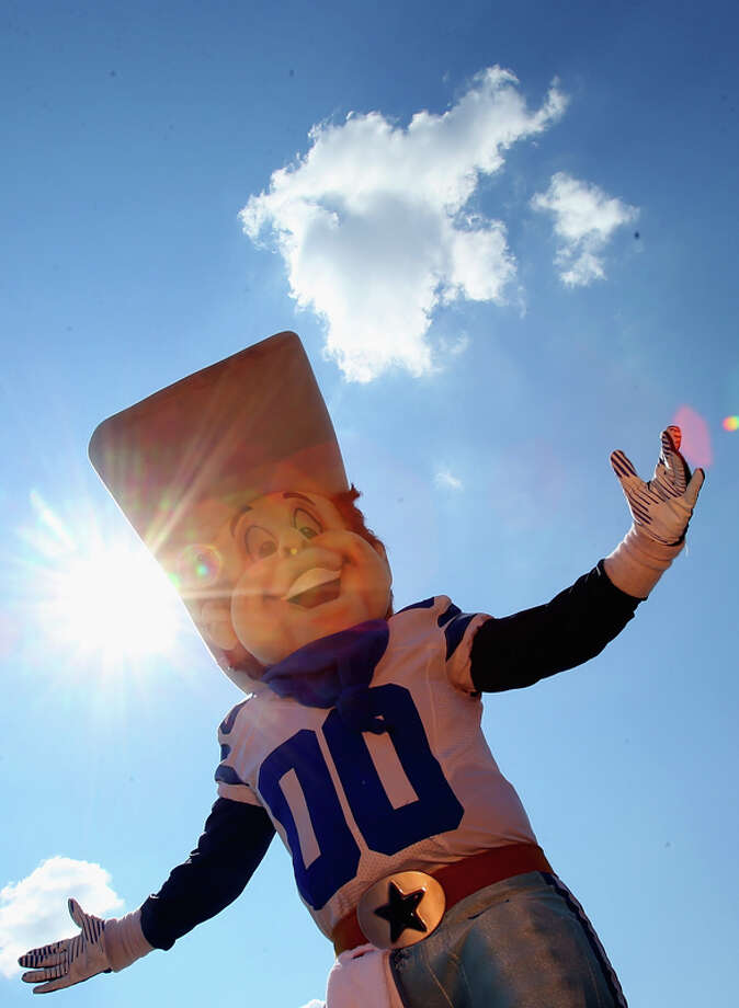 The Dallas Cowboys' Rowdy gets extra points for best hat in mascotdom. Photo: Ronald Martinez, Getty Images / 2013 Getty Images