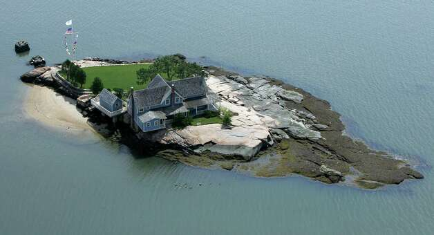 Take a boat ride to the Thimble Islands