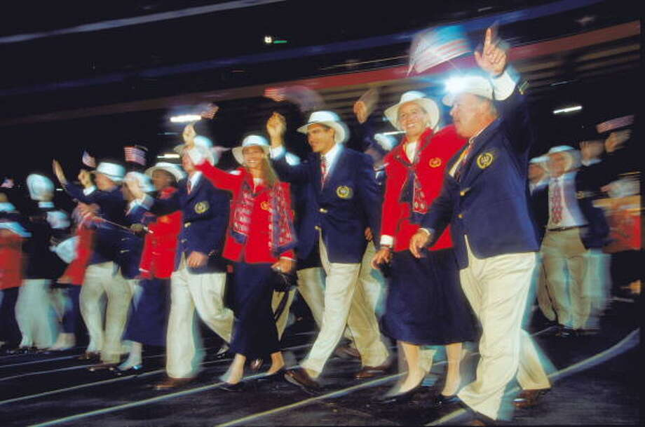 The USA Olympic Team during the Opening Ceremony of the Sydney 2000 Olympic Games at the Olympic Stadium in Homebush Bay, Sydney, Australia. (Jamie Squire /Allsport) Photo: Jamie Squire, Getty Images / Getty Images AsiaPac