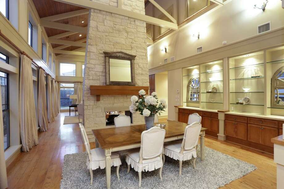 4907 Holly: This 2002 home has 5-6 bedrooms, 6 bathrooms, and 5,541 square feet. Listed for $1,450,000. Open house: 1/26/2013, 2 p.m. to 4 p.m. Photo: Houston Association Of Realtors