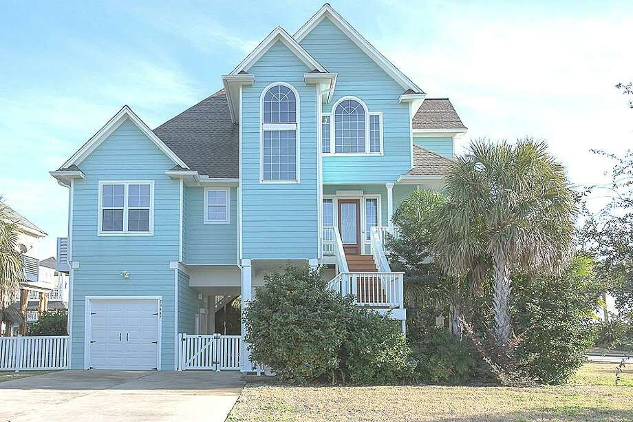 13447 Binnacle Way: This 2005 home has 3-4 bedrooms, 2.5 bathrooms, and 2,044 square feet. Listed for $525,000. Open house: 1/26/2013, noon to 2 p.m. Photo: Houston Association Of Realtors