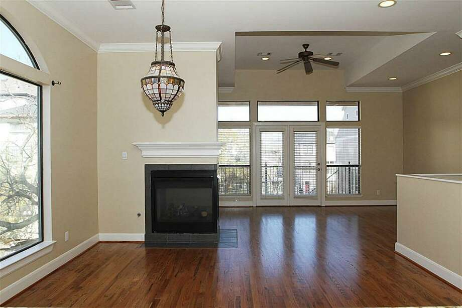 312 W Pierce: This 2002 townhome has 3 bedrooms, 3.5 bathrooms, and 2,382 square feet. Listed for $425,000. Open house: 1/26/2013, 2 p.m. to 4 p.m. Photo: Houston Association Of Realtors