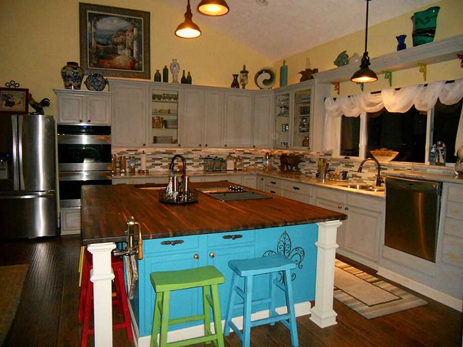 747 5th: This 2013 home has 3 bedrooms, 2 bathrooms, and 2,102 square feet. Listed for $325,000. Open house: 1/26/2013, 2 p.m. to 4 p.m. Photo: Houston Association Of Realtors