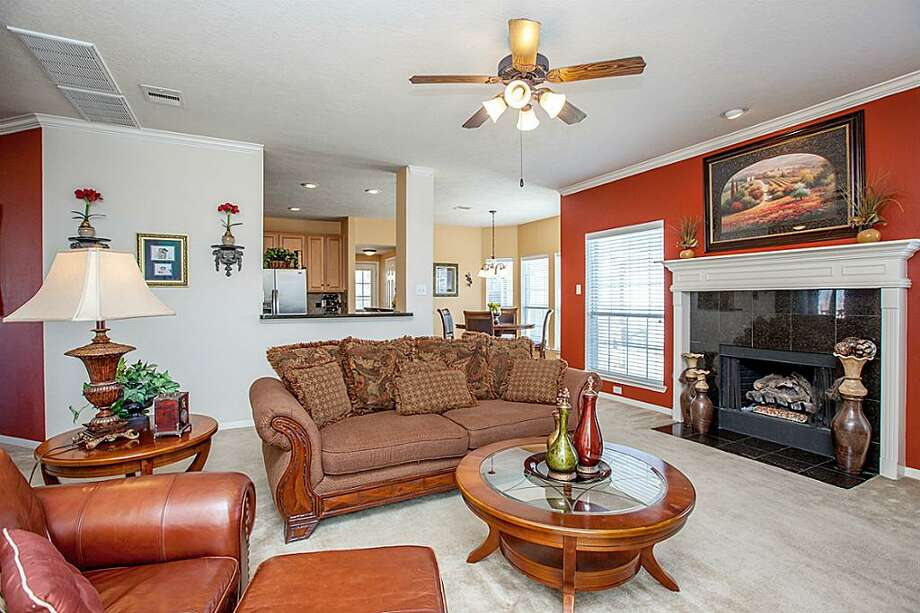 3405 Ocean Ridge: This 2006 home has 5 bedrooms, 3.5 bathrooms, and 3,624 square feet. Listed for $299,000. Open house: 1/26/2013, 2 p.m. to 4 p.m. Photo: Houston Association Of Realtors