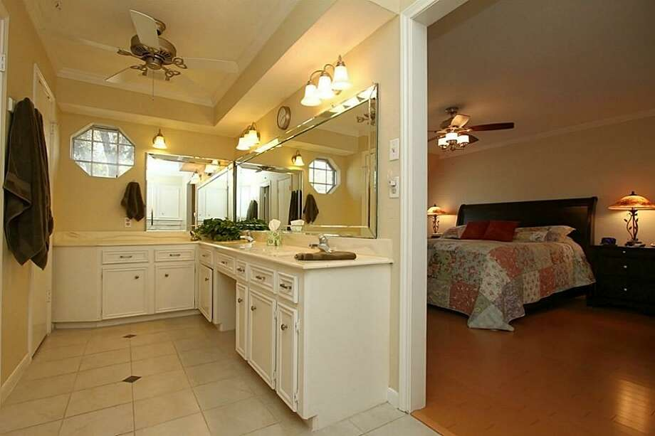 16103 Castletown Park: This 1980 home has 3 bedrooms, 2.5 bathrooms, and 2,546 square feet. Listed for $170,000. Open house: 1/26/2013, 2 p.m. to 4 p.m. Photo: Houston Association Of Realtors