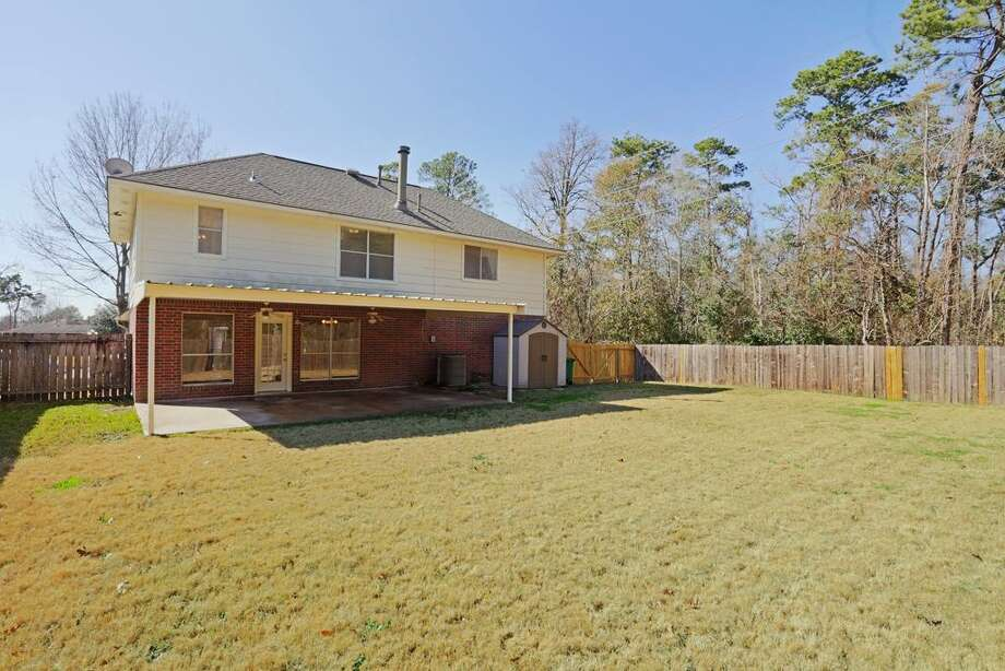 2203 Friarwood: This 1993 home has 3 bedrooms, 2.5 bathrooms, and 1,675 square feet. Listed for $135,000. Open house: 1/26/2013, 2 p.m. to 4 p.m. Photo: Houston Association Of Realtors