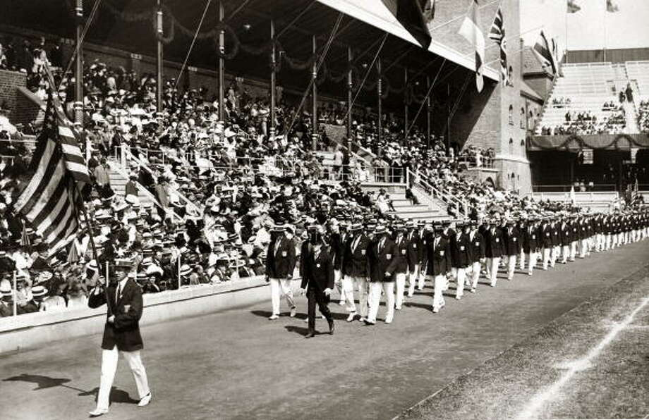 Sport, 1912 Olympic Games, Stockholm, Sweden, The U,S,A, team marching behind the Stars and Stripes at the Opening Ceremony  (Photo by Bob Thomas/Popperfoto/Getty Images) Photo: Bob Thomas/Popperfoto, Popperfoto/Getty Images / Popperfoto