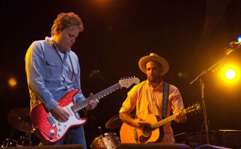 Jason Mozersky (left) plays with Ben Harper in 2012. Both will be onstage Sunday at the Grammy Awards Pre-Telecast show. Photo: Courtesy Melissa Nicholson / San Antonio Express-News