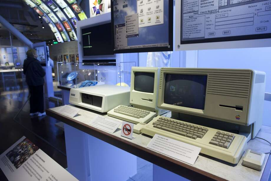 The Lisa was born in January 1983, about a year before the Macintosh. An old Apple Lisa II and Mac SE are seen at the Computer History Museum in Mountain View. Photo: David Paul Morris, Special To The Chronicle