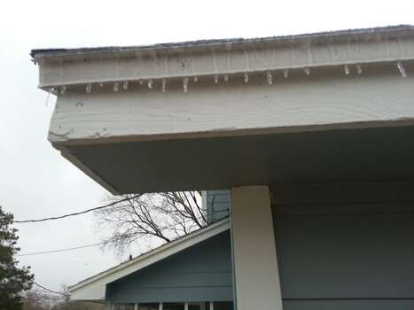Ice forms in Pearland early Friday morning. Photo: Submitted By Eric Guthrie