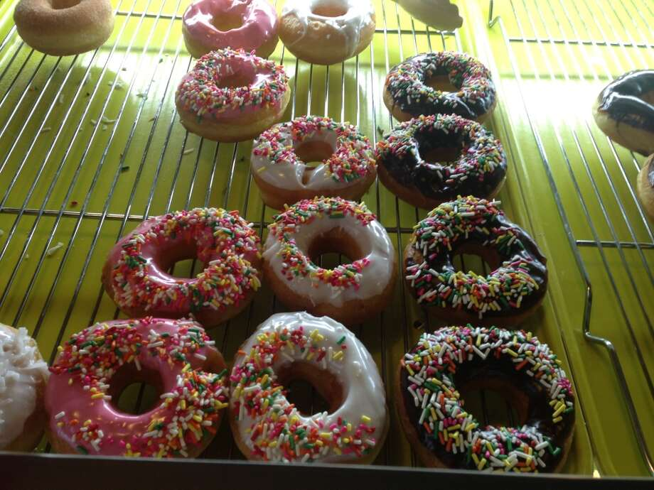 Vinny's Donuts is now open at 124 Broadway. Photo: Benjamin Olivo, MySA.com