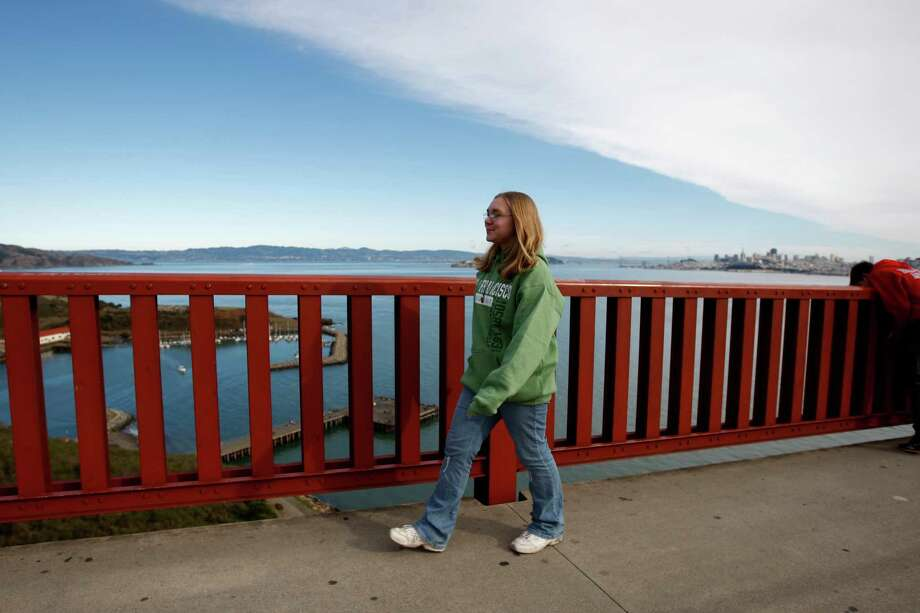 Walk across the Golden Gate Bridge. Photo: Michelle Gachet, The Chronicle / ONLINE_YES