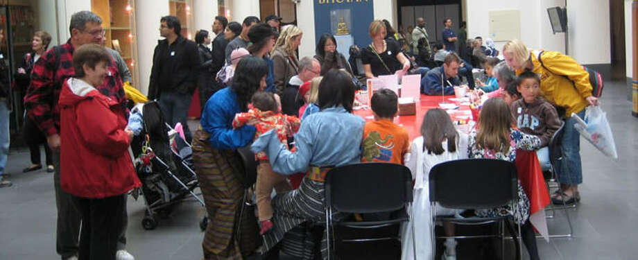 Attend a family program at the Asian Art Museum. Photo: Asianart.org