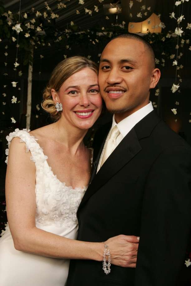 In this photo released by Entertainment Tonight, Mary K. Letourneau and Vili Fualaau are shown at their wedding at the Columbia Winery in Woodinville, Wash. late Friday, May 20, 2005. (AP Photo/Entertainment Tonight and The Insider/WorldPictureNetwork) Photo: Associated Press