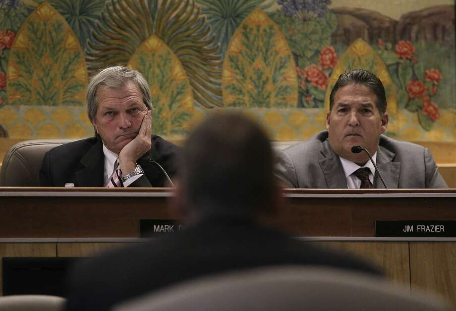 State Sen. Mark DeSaulnier (left), chairman of the Senate Transportation and Housing Committee, and Assemblyman Jim Frazier question Caltrans engineering geologist Mike Morgan. Photo: Paul Chinn, The Chronicle