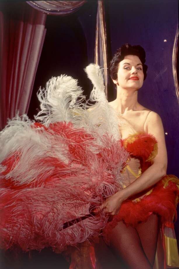 27th June 1953:  Showgirl Lee Vernon at the Pigalle nightclub in London. Original Publication: Picture Post - 6556 - Night Club Close-Up - pub. 1953 Photo: Carl Sutton, Getty Images